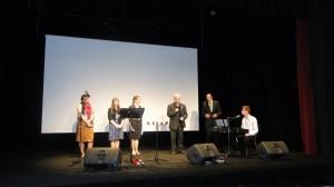 rozpoczcie spotkania przez pastora zboru w lesznie - henryka mroza